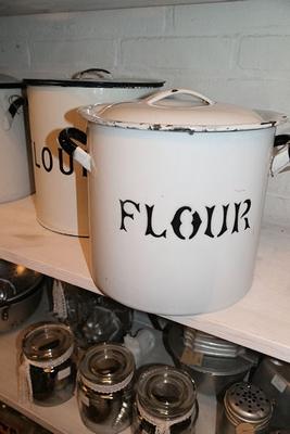 Four bin