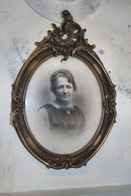 French oval frame with portrait
