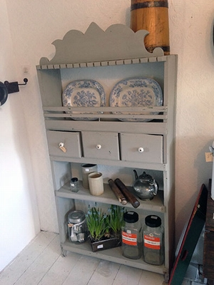 Wall cabinet / shelves and drawers