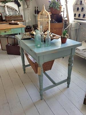 Folding table, blue