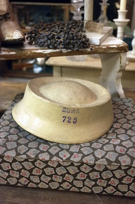 Hat form