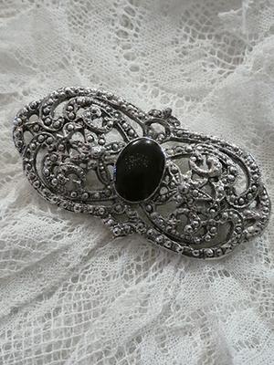 Vintage broche