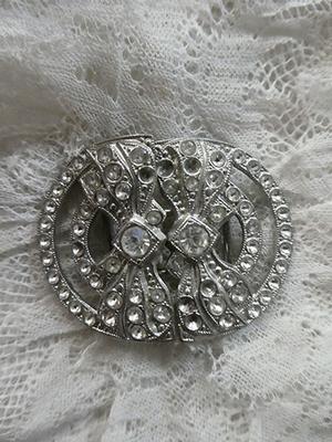 Vintage paste clasp