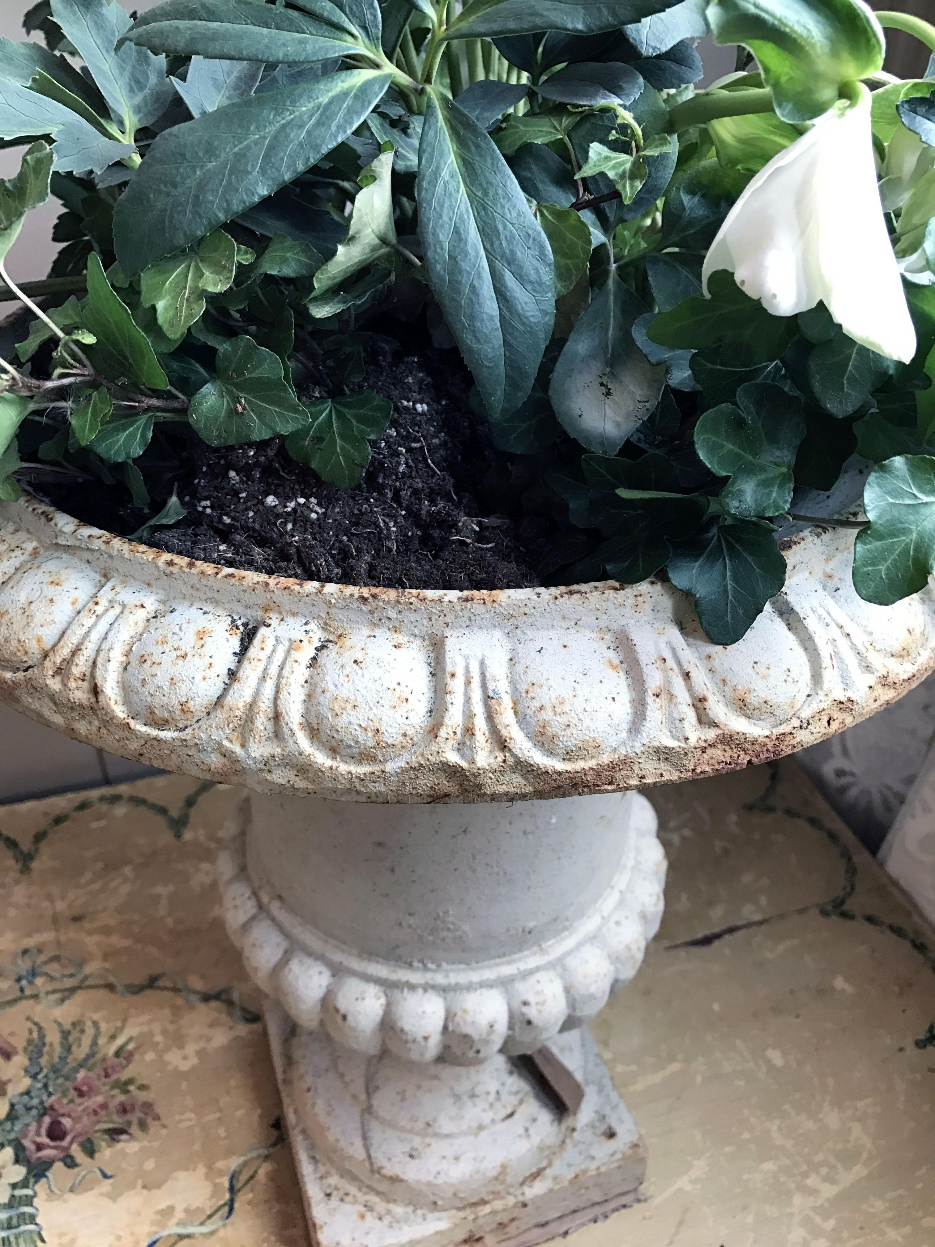 Antieke Gietijzeren Vazen.Gietijzeren Vaas