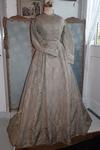 Vroege zijden jurk